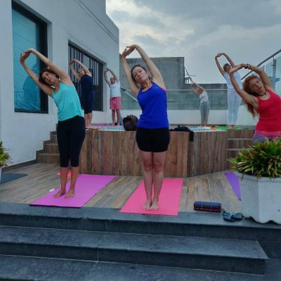 10. yoga piscina